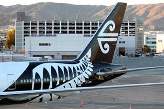 Air New Zealand Boeing 777-319/ER ZK-OKS