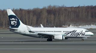 Alaska Airlines Boeing 737-700 N617AS