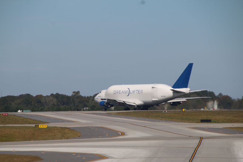 Boeing Dreamlifter Leaving Charleston International Airport (Charleston, S.C.) - Friday November 10, 2017