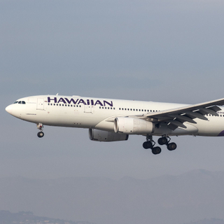 Hawaiian_A332_N383HA__LAX_20180115_Approach_sun_MG_5514_Colormailer_Flickr