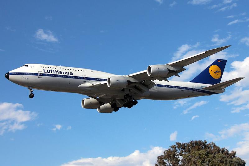 D-ABYT - Lufthansa Boeing 747-8i