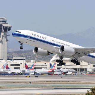 B-2042  LAX