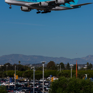 Korean A380 on approach to LAX