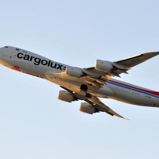 LX-VCI   747-800  LAX