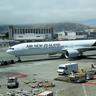 ZK-OKM B777-319ER Air New Zealand SFO 28-05-2017
