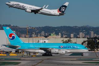 Alaska departs, Korean taxis at LAX