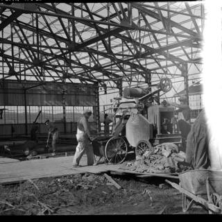 negative: Mills Field Municipal Airport of San Francisco, Hangar No. 2 construction