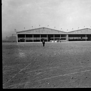 negative: Mills Field Municipal Airport of San Francisco, Hangar No. 2