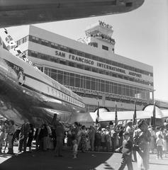 negative: San Francisco International Airport (SFO), dedication events for new Terminal Building