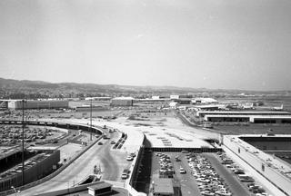negative: San Francisco International Airport (SFO), North Terminal construction