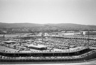 negative: San Francisco International Airport (SFO), parking garage