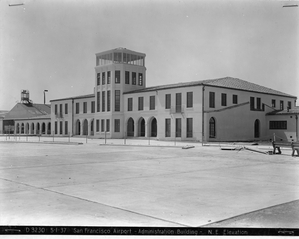 photograph: San Francisco Airport, Administration Building
