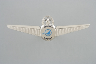 flight officer wings: Republic Airlines