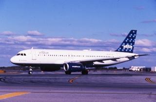 slide: JetBlue Airways, Airbus A320, John F. Kennedy International Airport (JFK)