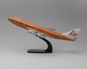 model airplane: Braniff International, Boeing 747