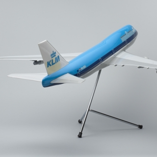 model airplane: KLM (Royal Dutch Airlines), Boeing 747-400