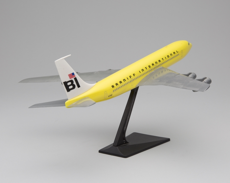 model airplane: Braniff International, Boeing 707