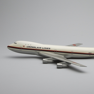 model airplane: JAL (Japan Air Lines), Boeing 747-100
