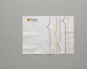 meal tray liner: Thai Airways